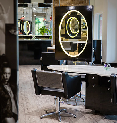 Studio 900 Salon interior image featuring mirrors
